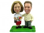 BOBBLEHEAD COUPLE STROLLING THE PARK